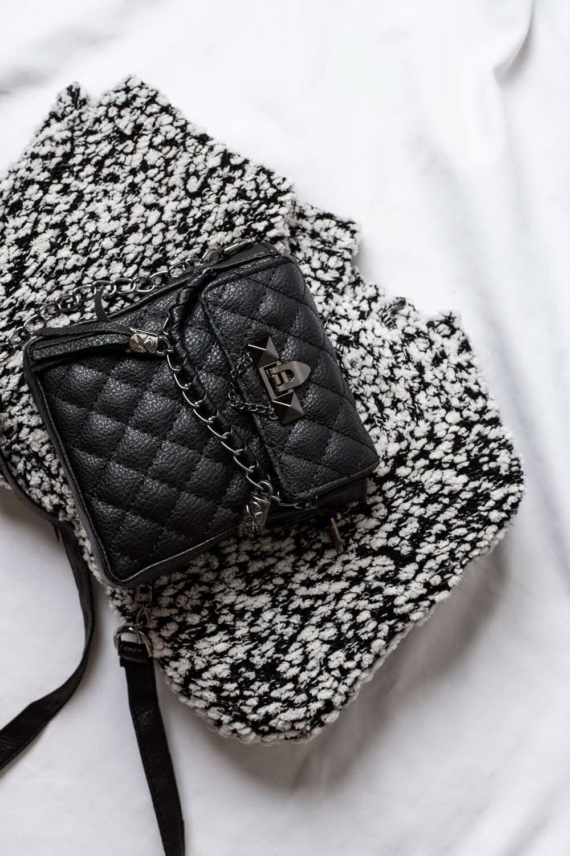 کیف منگوله دار